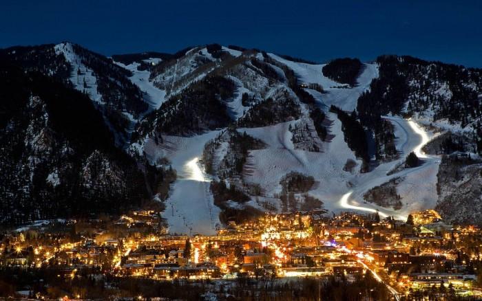 Aspen-Colorado 5 year anniversary trip ideas Kissing Scene
