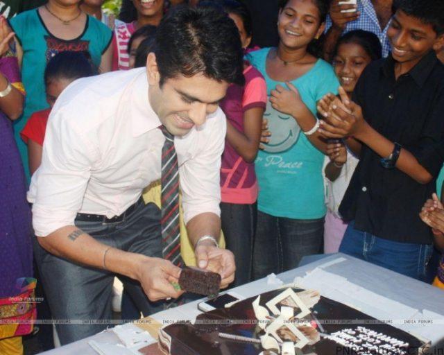 Birthday celebration for Eijaz Khan on the sets of Zee TV's Punar Vivah